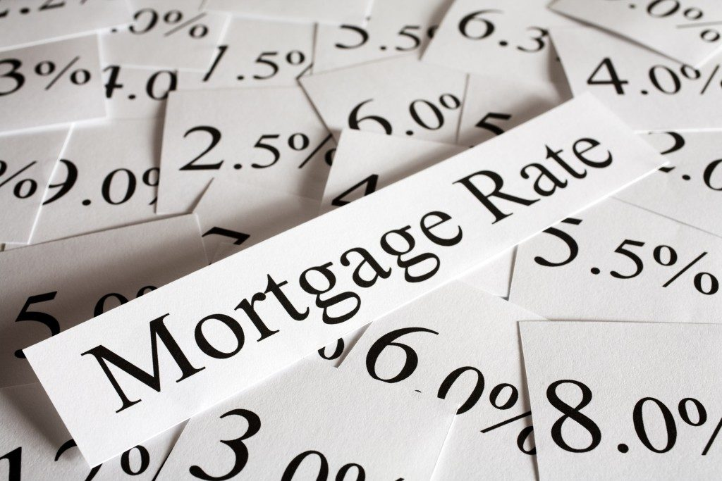 mortgage rate written on paper